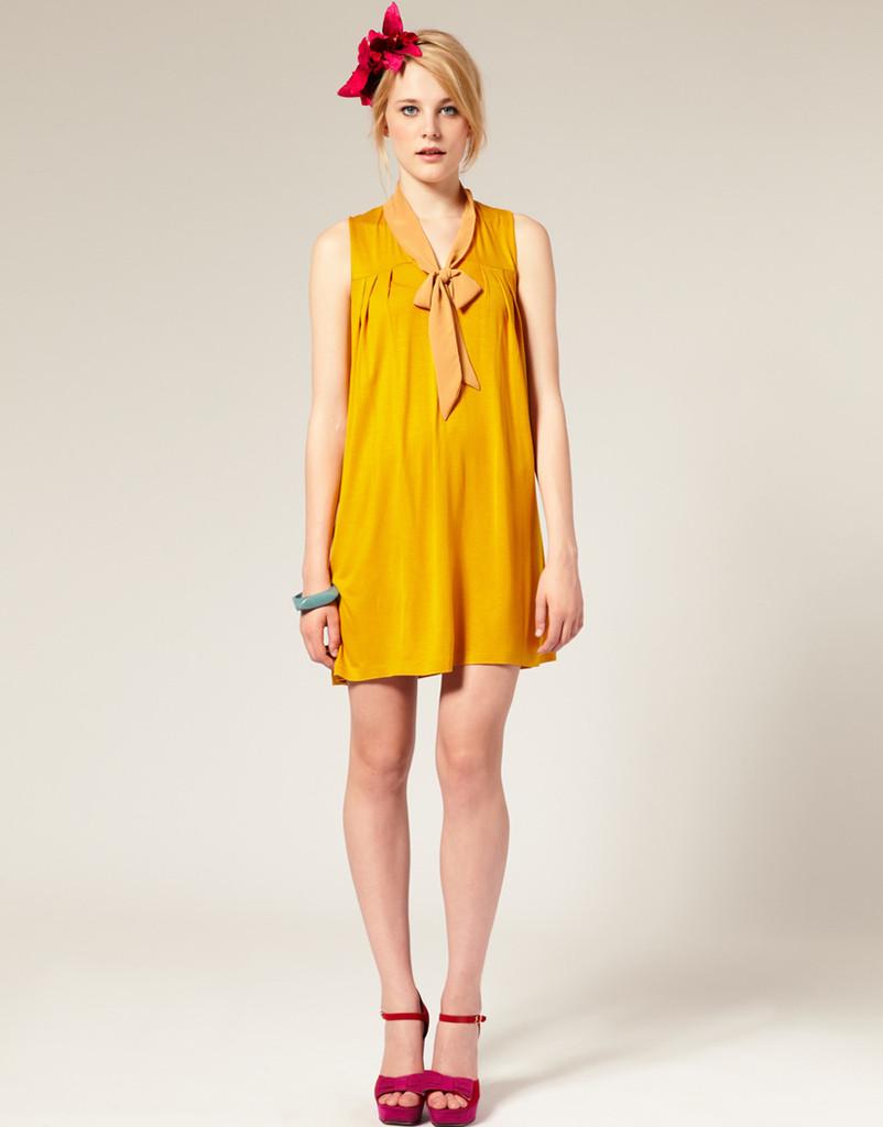艳黄色领带蝴蝶结连衣裙
