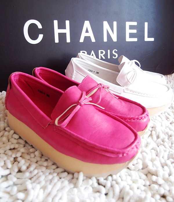 桃红色鞋子