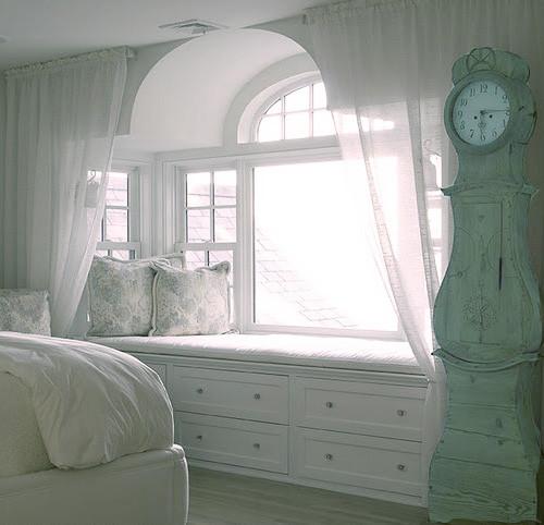 飘窗卧室风格装修效果图 家居方案推荐