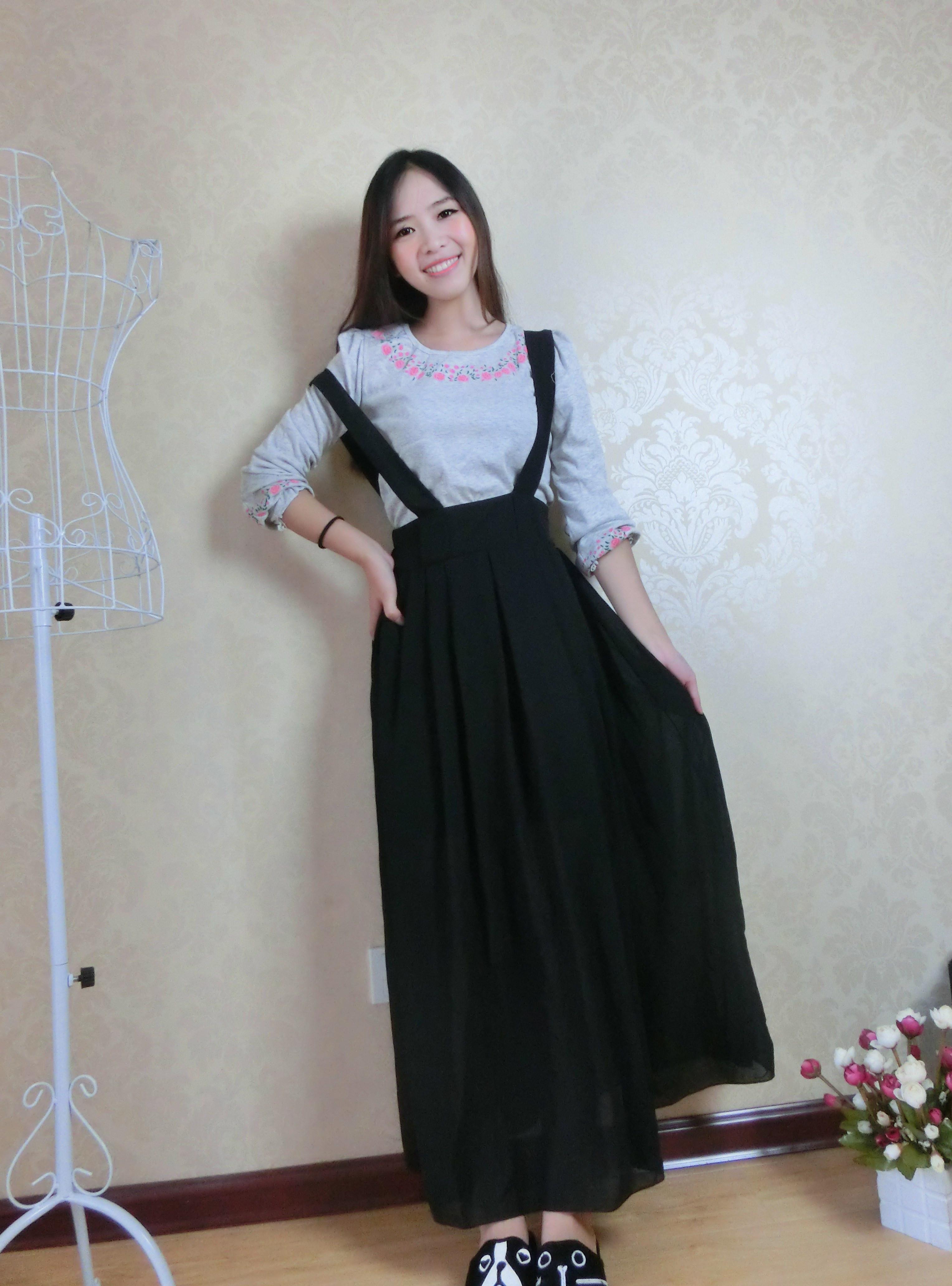 黑色长裙,搭配长袖t